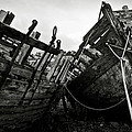Old abandoned ships Print by RicardMN Photography