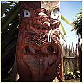 Maori carving Print by Les Cunliffe