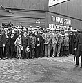 Baseball fans waiting in line to buy World Series tickets. Print by Underwood Archives