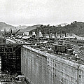 Panama Canal Construction 1910 Poster by Photo Researchers