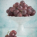 red grapes  Print by Corinna  Gissemann