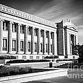 The Field Museum in Chicago in Black and White Poster by Paul Velgos