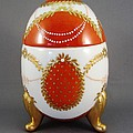 1525 Footed Egg-Box red by Wilma Manhardt