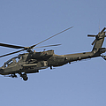 Ah-64 Apache In Flight Over The Baghdad Print by Terry Moore
