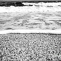 Approaching wave - black and white Print by Hideaki Sakurai