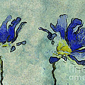 Duo Daisies - 02dp3b22 Print by Variance Collections
