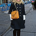 Kristen Bell Out And About For Sun Print by Everett