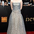 Kristen Stewart Wearing An Oscar De La Print by Everett