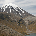 Ngauruhoe Cone And Upper Tama Lake Print by Richard Roscoe