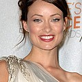 Olivia Wilde In The Press Room Poster by Everett