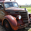 Rusty Old 1935 International Truck . 7D15498 Poster by Wingsdomain Art and Photography