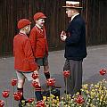 Schoolboys Chat With A Master At Kings Print by Franc Shor