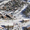 THE BUSY CHAUDANNE IN MERIBEL the heart of meribel in the three valleys resort france Print by Andy Smy