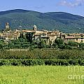 Village of Lourmarin. Luberon. Vaucluse by BERNARD JAUBERT