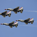 The U.s. Air Force Thunderbirds Fly Print by Stocktrek Images